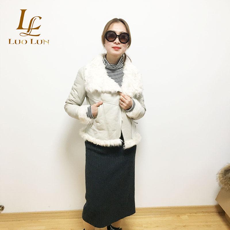 comfortable feel sheepskin jacket with lamb fur inside short style women fur coat